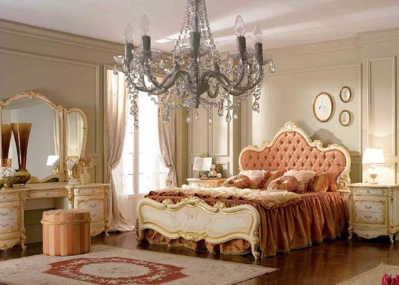 Люстры для спальни Италия