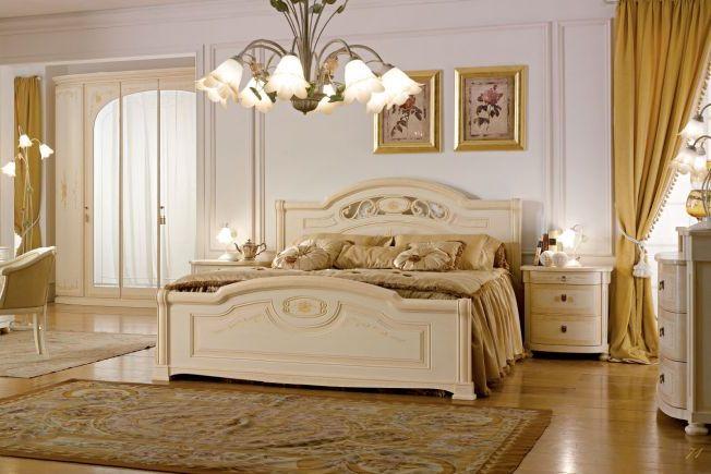 Итальянские спальни с элементами массива