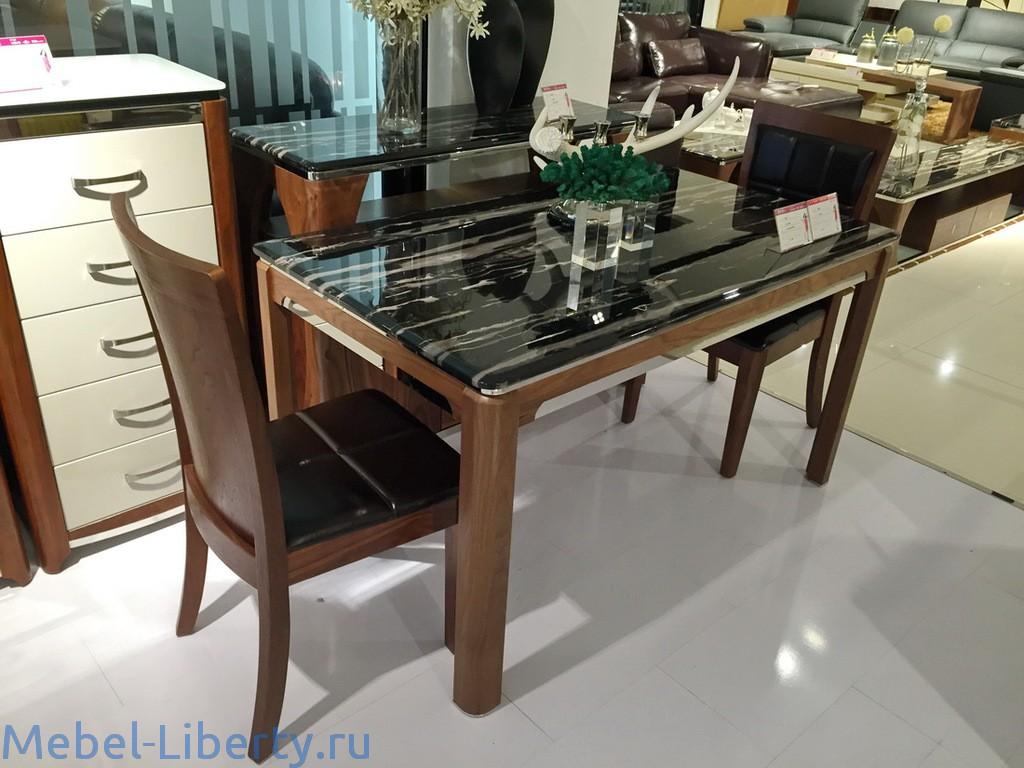 Деревянные столы с камнем